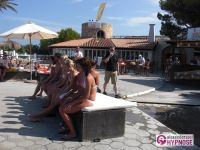 Hypnoseshow-Alexander-Seel-Punta-Arabi-Ibiza-Showhypnose-02-08-2009-00054