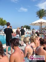 Hypnoseshow-Alexander-Seel-Punta-Arabi-Ibiza-Showhypnose-02-08-2009-00073