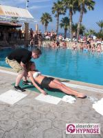 Hypnoseshow-Alexander-Seel-Punta-Arabi-Ibiza-Showhypnose-02-08-2009-00097