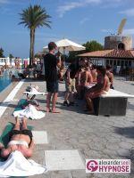 Hypnoseshow-Alexander-Seel-Punta-Arabi-Ibiza-Showhypnose-02-08-2009-00104